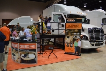 Bolt expo 2015 booth traffic2