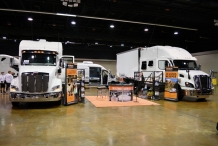 Bolt_Custom_Trucks_Expo_Booth_17_0232