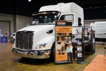 Bolt_Custom_Trucks_Expo_Booth_17_Peterbilt_120in_sleeper_0228