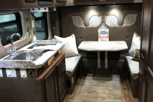 Bolt Custom Trucks Kenworth T680 interior3