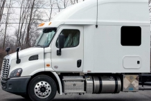 Silver-Series-100-Freightliner-Cascadia-Exterior
