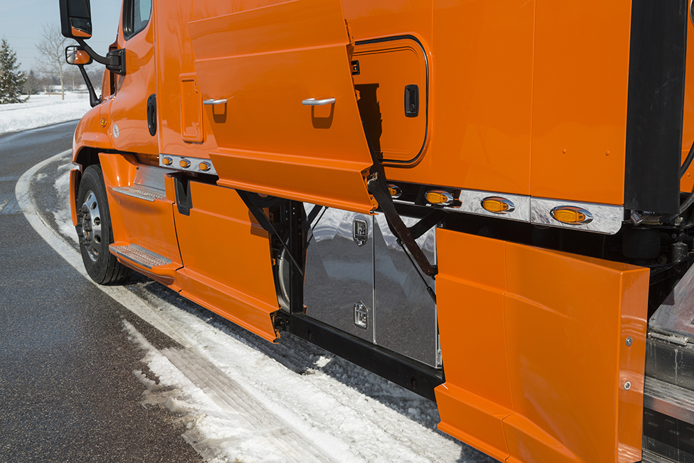Integrated Straight Truck Sleeper For Expedite Trucks