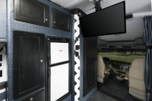 Bolt 150in sleeper Peterbilt 579 TV 0736