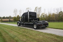 Bolt_Peterbilt_custom_crew_cab_ultra_exterior_back