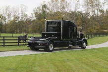 Bolt_Peterbilt_custom_crew_cab_ultra_exterior_back3