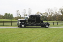 Bolt_Peterbilt_custom_crew_cab_ultra_exterior_drivers_side