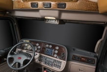Bolt_Peterbilt_custom_crew_cab_ultra_interior_dash2