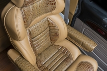 Bolt_Peterbilt_custom_crew_cab_ultra_interior_seat2