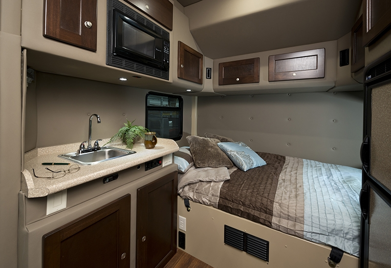 Semi Truck Condo Sleeper Interior Pictures to Pin on ...