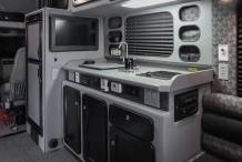 Platinum-Series-150-Kenworth-T680-Kitchen2