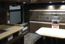 Stoops_Freightliner_Fed_X_Custom_Critical_interior